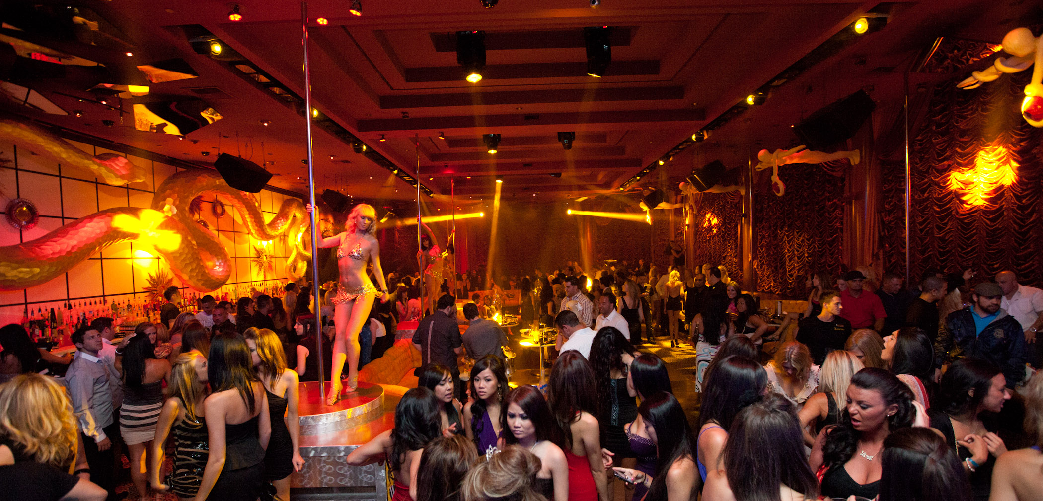 Download this Encore Beach Club And Surrender Nightclub Celebrate Grand Opening picture